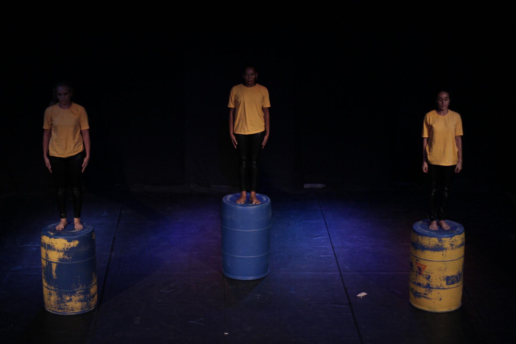 Corpo e Elemento (Cia. de Dança Valdeck Farias / PE)